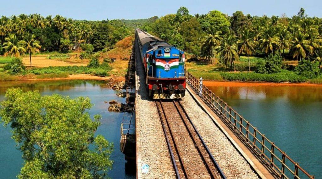 7th Pay Commission: 2020 पूर्वीच भारतीय  रेल्वेच्या 'या' ऑफिसर्सना मिळू शकते गुड न्यूज; पगारात होणार वाढ