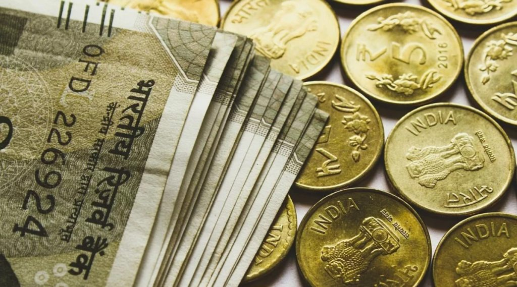 7th Pay Commission: केंद्रीय कर्मचाऱ्यांच्या पगारात 8,000 रुपये वाढ होण्याची शक्यता