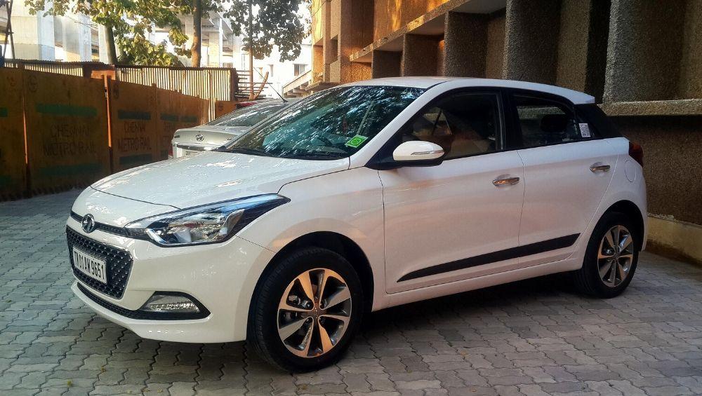 खुशखबर! या महिन्यात Hyundai च्या कारवर मिळत आहे तब्बल 2 लाख रुपयांपर्यंतची सवलत; जाणून घ्या कोणत्या गाडीवर किती सूट