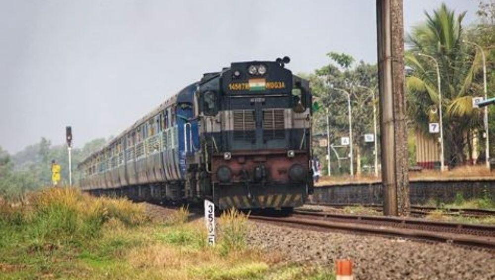 लवकरच खासगी ऑपरेटर्सकडून सुरु करण्यात येणार 150 भारतीय रेल्वे