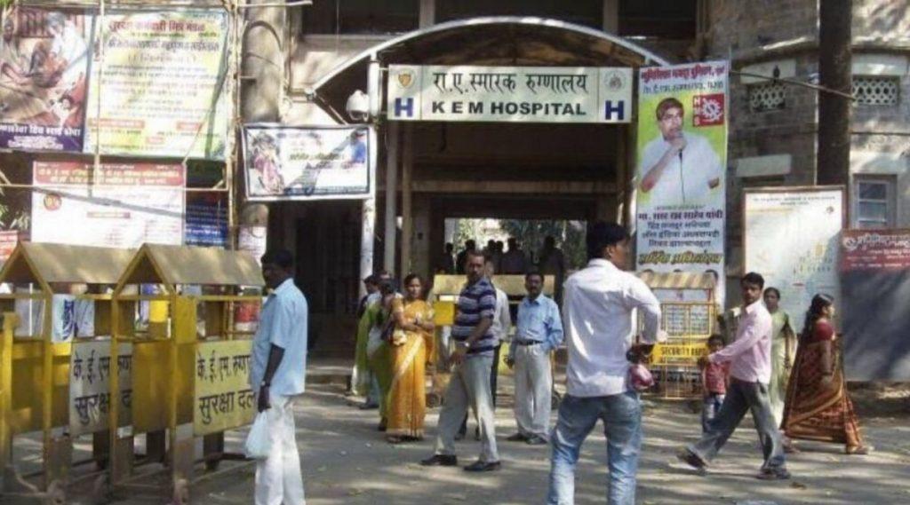 मुंबई: KEM मध्ये होरपळून हात गमवलेल्या 3 महिन्यांच्या प्रिन्सला दहा लाख रुपयांची नुकसान भरपाई मिळणार