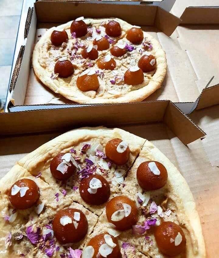 खवय्या लोकांना आस्वादासाठी नवी पर्वणी; 'गुलाबजाम पिझ्झा'ने घातलीये सगळ्यांनाच भुरळ