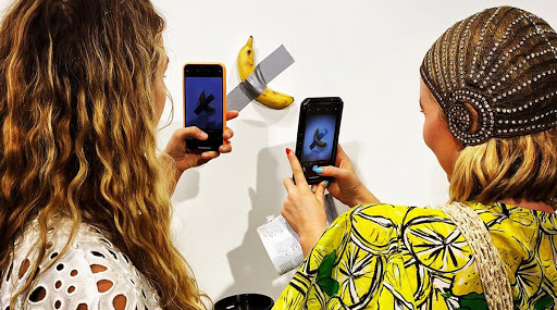 अबब! अमेरिकेत एक केळ विकले 85 लाखाला; फोटो होतोय व्हायरल