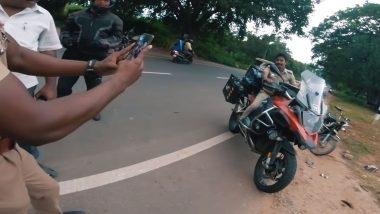 BMW स्पोर्ट्स बाइक पाहून ऑनड्युटी असलेल्या पोलिसांना आवरला नाही मोह; बाईकस्वाराला थांबवून केले असे काही की पाहून तुम्हालाही होईल हसू अनावर