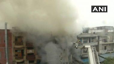 दिल्ली: चप्पलांच्या फॅक्टरीला भीषण आग, अग्निशमन दलाच्या 26 गाड्या घटनास्थळी दाखल