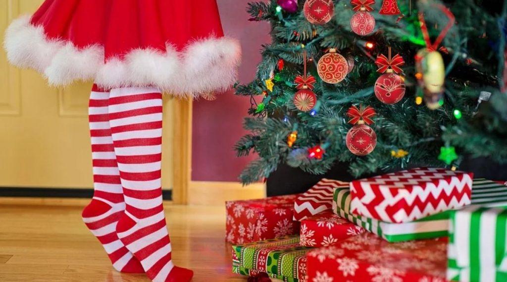 Secret Santa Gift Ideas For Girls: तुम्हीही होऊ शकता सिक्रेट सांता; 500 रुपये पर्यंतच्या 'या' वस्तू ठरतील बेस्ट गिफ्ट