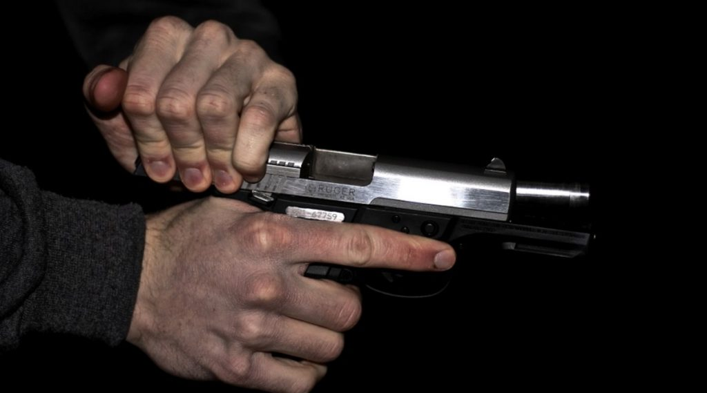 पुणे: वसंत बार परिसरात बाऊन्सरचा हवेत गोळीबार; 13 जणांवर गुन्हा दाखल
