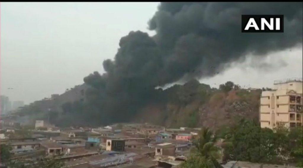 Mumbai Fire: मुंबईतील घाटकोपर परिसरातील बांबू गोदामाला भीषण आग