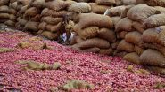 सोलापूर येथे कांद्याचे दर 200 रुपये प्रति किलोवर गेल्याने नागरिक हैराण