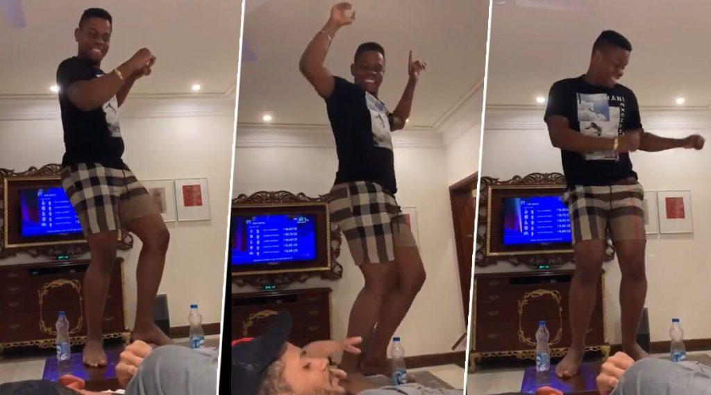 Video: आयपीएल लिलावातलागला शिमरोन हेटमायर लाजॅकपॉट, पलंगावर नाचून व्यक्त केला आनंद