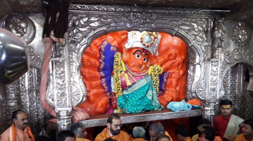 वणीच्या सप्तशृंगी देवीचे गाभाऱ्यातून दर्शन घेण्यासाठी पाळावा लागेल महत्वाचा नियम; 1 जानेवारीपासून अंमलबजावणी