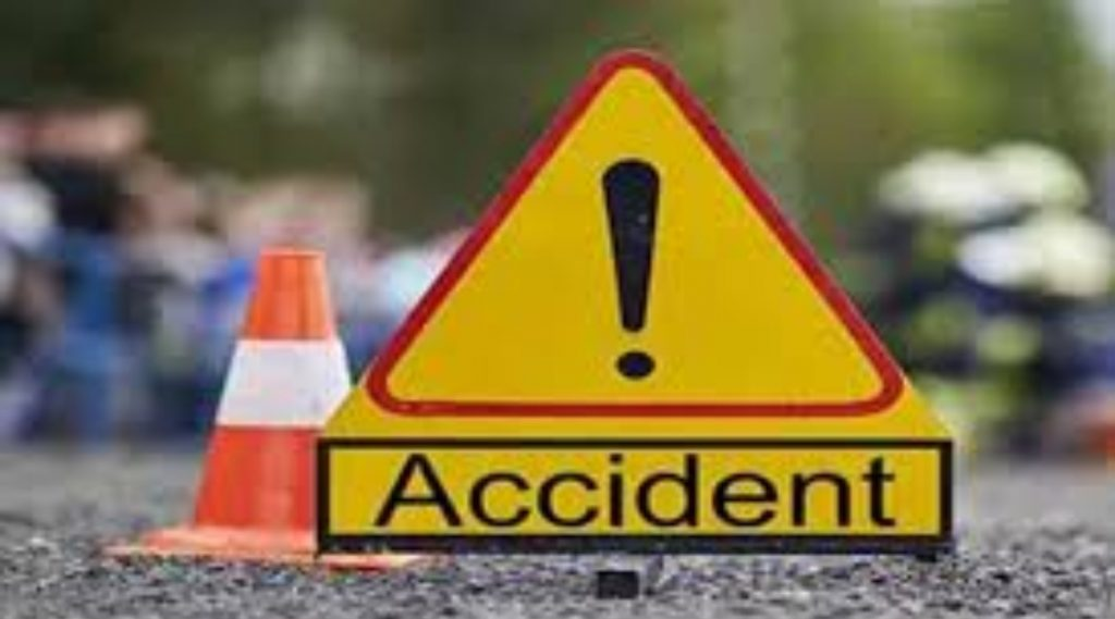 जम्मू-कश्मीर येथे दरीत बस कोसळून भीषण अपघात, 7 जणांचा मृत्यू