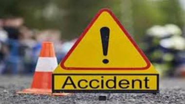 मुंबई- पुणे एक्सप्रेस वे वर ट्रक आणि कंटेनरची धडक; अपघातात 2 जण जखमी