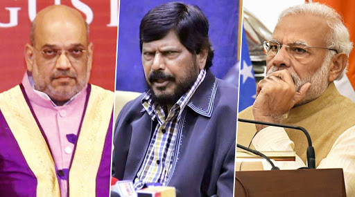 रांची: लोकसभा निवडणुकीत 15 लाख देण्याचे आश्वासन पूर्ण केले नाही म्हणून पंतप्रधान नरेंद्र मोदी, अमित शहा, रामदास आठवले यांच्याविरोधात खटला दाखल