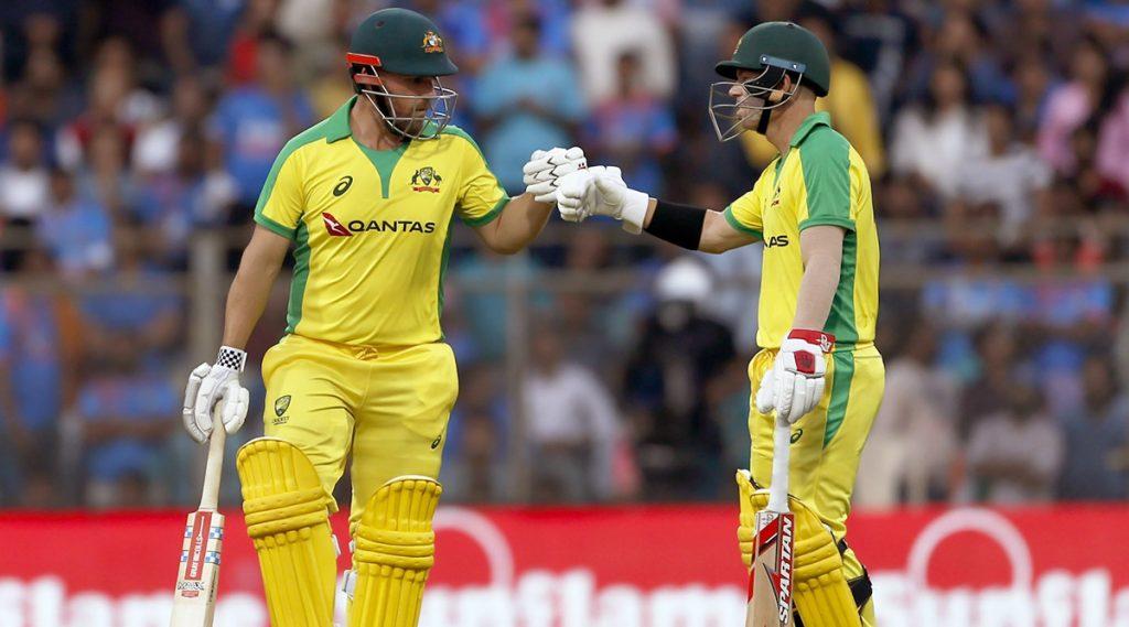 मुंबई सामन्यात ऑस्ट्रेलियाचा भारताविरुद्ध 10 विकेटने विजय, धावांचा पाठलाग करताना आरोन फिंच-डेविड वॉर्नर यांनी नोंदवला सर्वात मोठ्या भागीदारीचा विक्रम