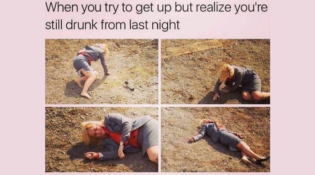 National Hangover Day 2020 Funny Memes: नवीन वर्षाच्या पार्टीनंतर तुमचीही अशीच अवस्था झाली आहे? हँगओव्हर उतरताना मनोरंजन करतील हे मीम्स आणि फोटोज