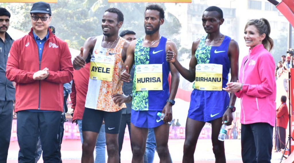 Mumbai Marathon 2020: महिलांच्या अर्धमॅरेथॉन मध्ये मराठमोळ्या धावपटूंनी मारली बाजी,इथिओपिआचा धावपटू डेरारा हरीसा ठरला एलिट मॅरेथॉनचा विजेता