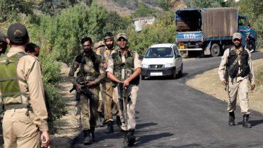 जम्मू-कश्मीर: कुलगाम येथे हिजबुल आणि लष्कर-ए-तोयबा संघटनेच्या दोन दहशतवाद्यांसह पोलीस उपअधीक्षकाला ठोकल्या बेड्या