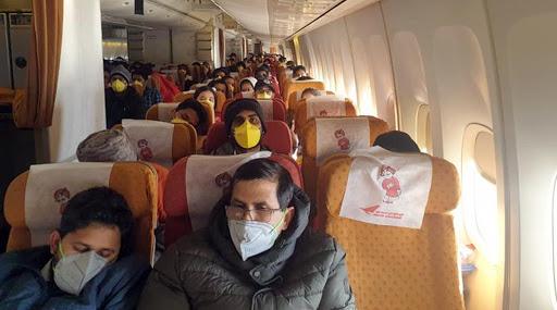 Coronavirus: वुहान शहरातून एअर इंडियाच्या दुसऱ्या विमानातून 323 भारतीय दिल्लीमध्ये दाखल