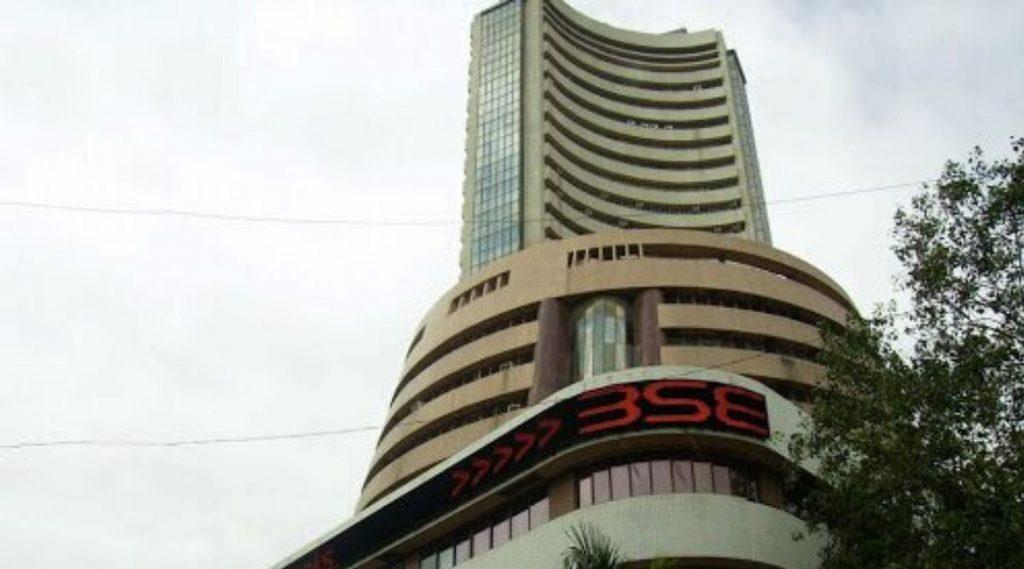 Budget 2020-21 नंतर मुंबई शेअर बाजारात निराशा; सेन्सेक्स, निफ्टी कोसळला