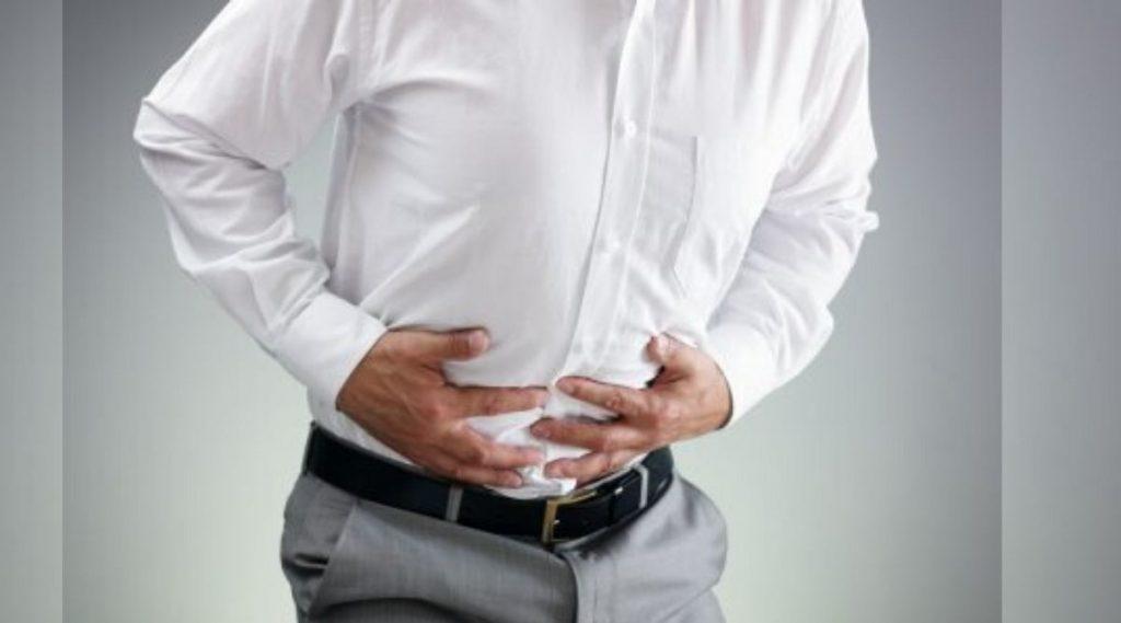 Health Tips: पोटातील गॅस चारचौघात मान खाली घालायला लावण्याआधीच 'या' घरगुती उपायांनी करा इलाज
