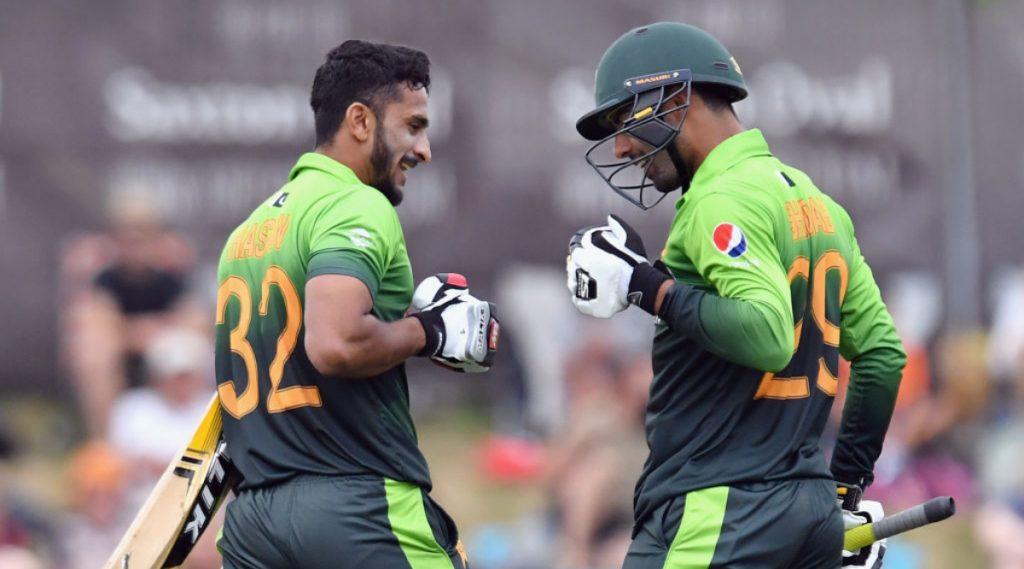 PSL 2020: पाकिस्तान सुपर लीग सुरु होण्याआधी शादाब खान आणि हसन अली या दोन क्रिकेटपटूंमध्ये ट्विटरवर सामना, एकमेकांची खिल्ली उडवली