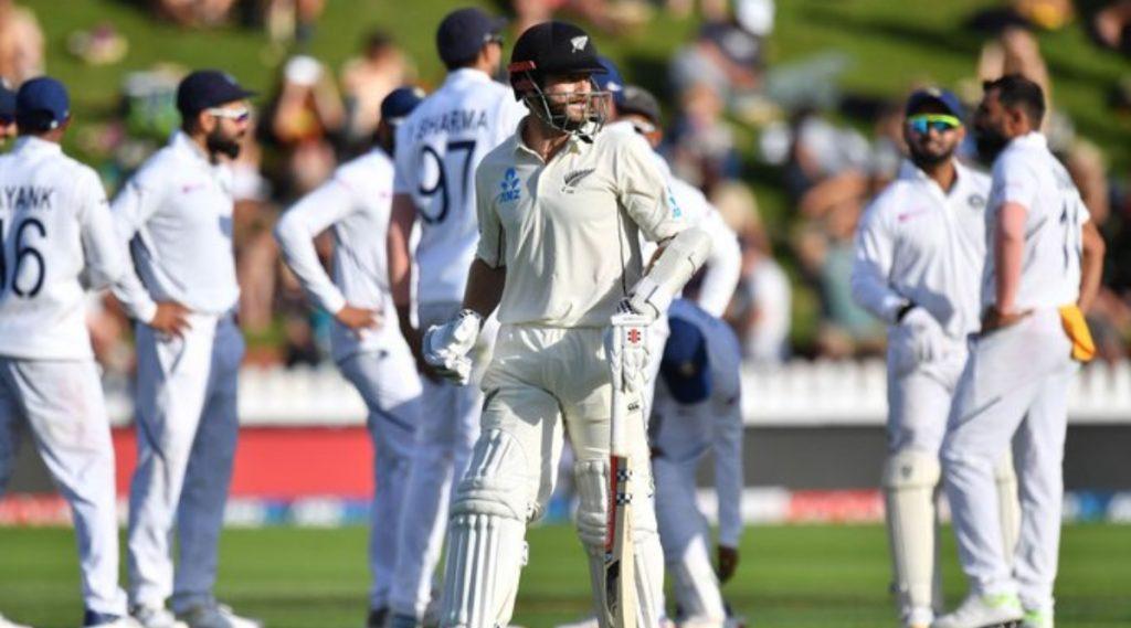 IND vs NZ 2nd Test Day 2: भारताची घातक गोलंदाजी; न्यूझीलंड 235 धावांवर ऑलआऊट, भारताकडे 7 धावांची आघाडी