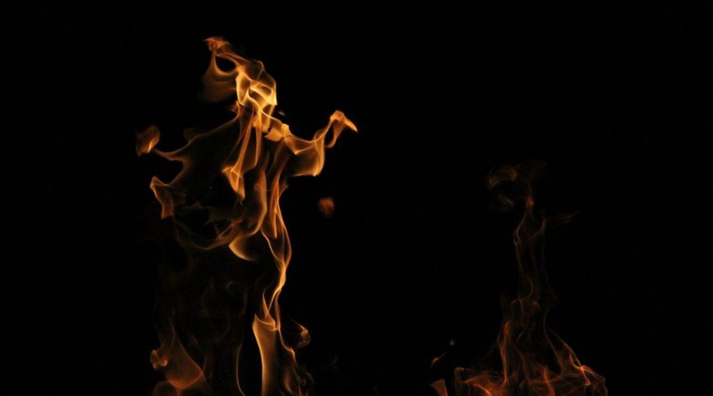 वर्धा: हिंगणघाट येथे अंगावर पेट्रोल टाकून जाळलेल्या पीडित तरुणीचा मृत्यू
