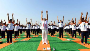 पंतप्रधान नरेंद्र मोदी यांनी योगा व्हिडिओ शेअर करत सांगितलं आपल्या फिटनेसचं रहस्य; पहा व्हिडिओ