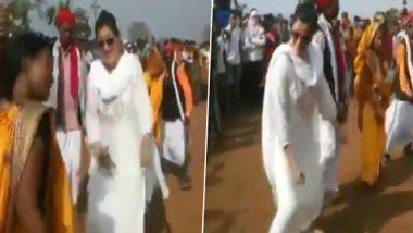 धुळवडी निमित्त खासदार नवनीत राणा यांचं आदिवासी महिलांसोबत पारंपरिक नृत्य; पहा व्हिडिओ