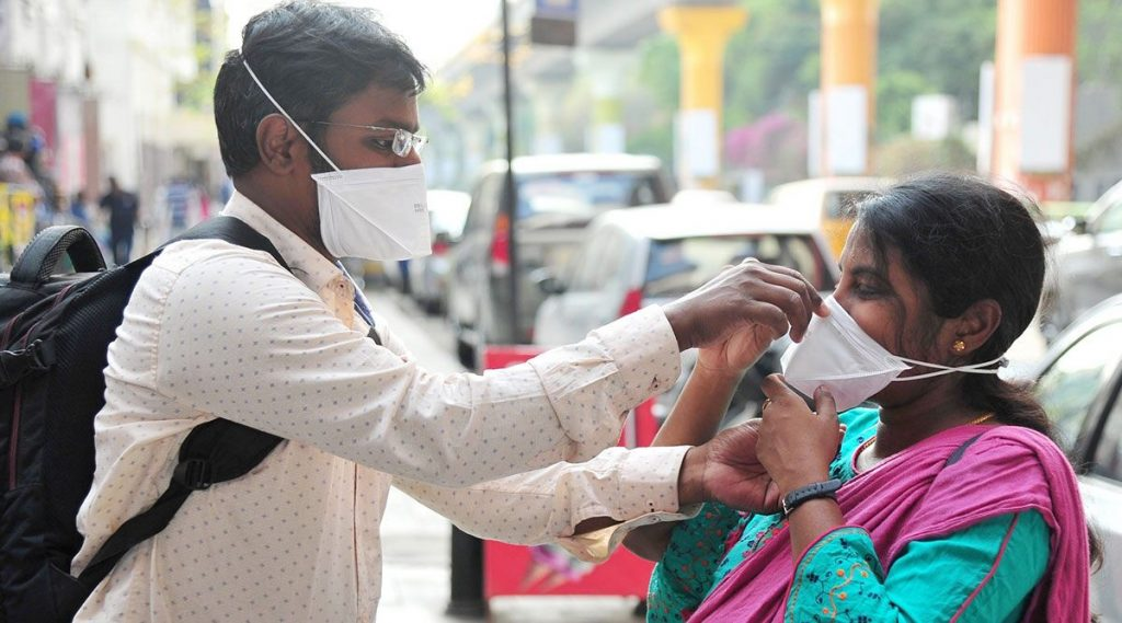 Coronavirus Outbreak: घरगुती Reusable Face Cover, Cloth Mask वापरताना या खास टीप्स नक्की लक्षात ठेवा
