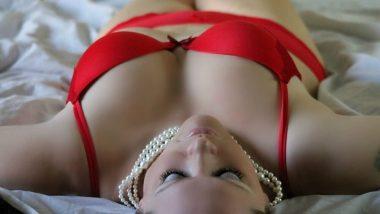 Sex Tips: महिलांंनो सेक्स करताना Orgasm मिळवण्यात या 7 गोष्टी ठरु शकतात अडथळा, कसा कराल उपाय?