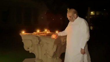 भाजपचे ज्येष्ठ नेते लालकृष्ण आडवाणी, अमित शाह, जे.पी. नड्डा, राजनाथ सिंह यांनी घराबाहेर दिवे लावून पंतप्रधान नरेंद्र मोदींच्या उपक्रमात झाले सहभागी