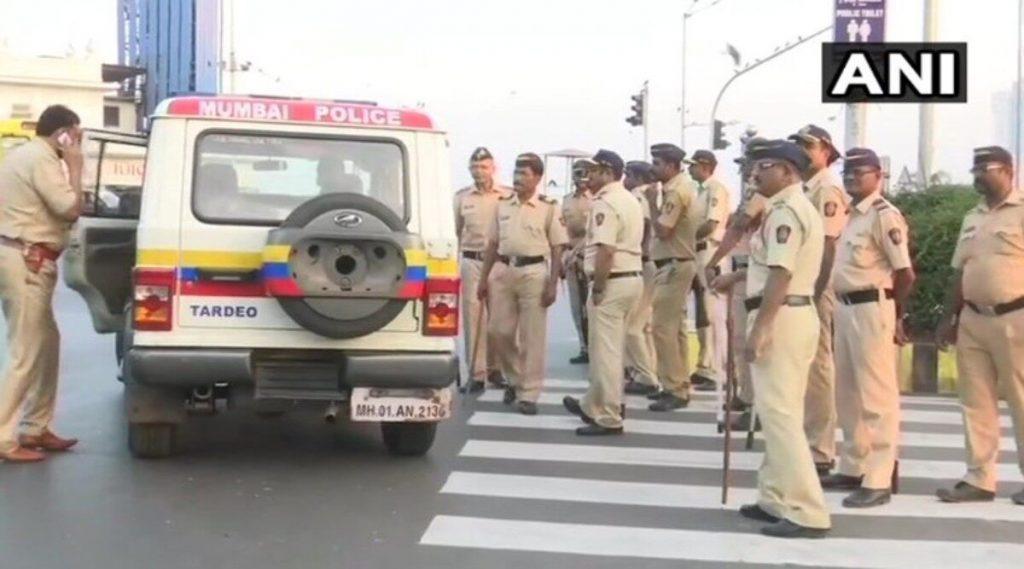 COVID 19 ने दगावलेल्या मुंबई पोलिस कर्मचार्याला कुटुंबाला मिळणार 65 लाखाची मदत