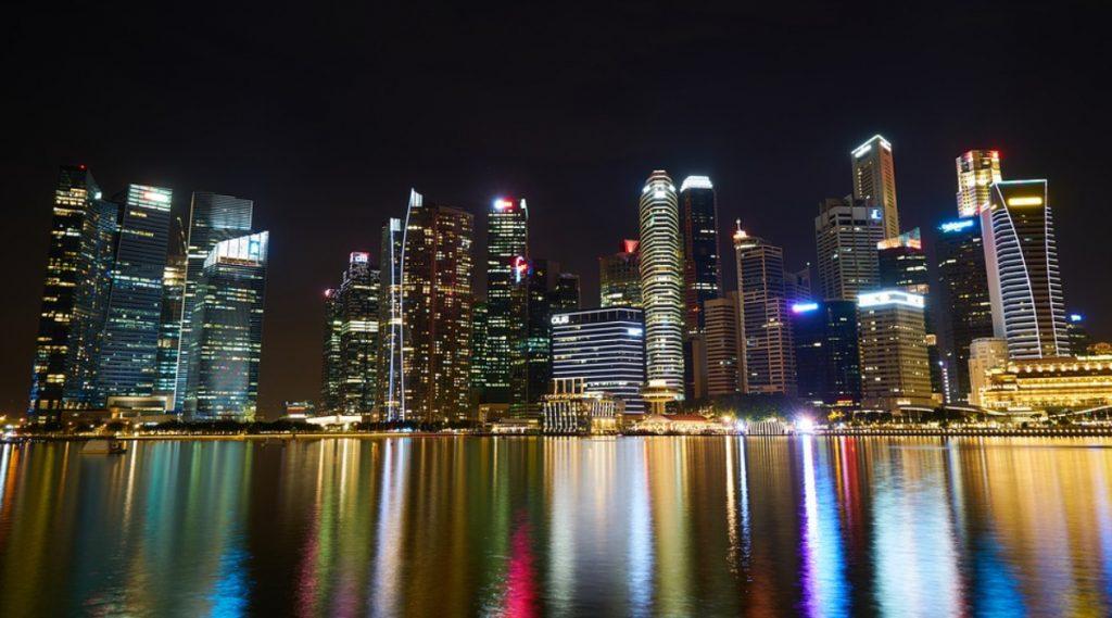 Coronavirus: एक महिन्यासाठी सिंगापूर लॉकडाऊन; पंतप्रधान हसेन लूंग यांची घोषणा