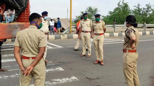 महाराष्ट्र पोलिस दलातील तब्बल 8,232 पोलिसांना Covid-19 ची लागण तर 93 जणांचा मृत्यू