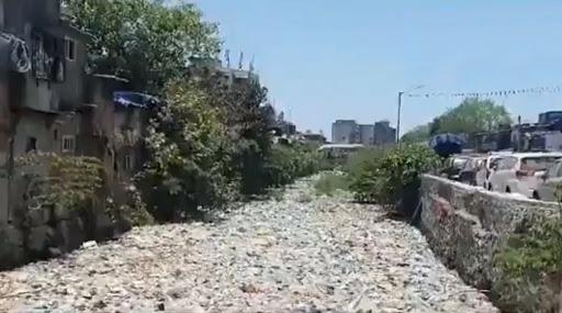 #Video: पावसाळा तोंडावर असतानाही मुंबईतील मिठी नदी, धारावी भागातील नाल्यांची परिस्थिती दयनीय; किरीट सोमैया यांनी शेअर केलेला व्हिडीओ पहा