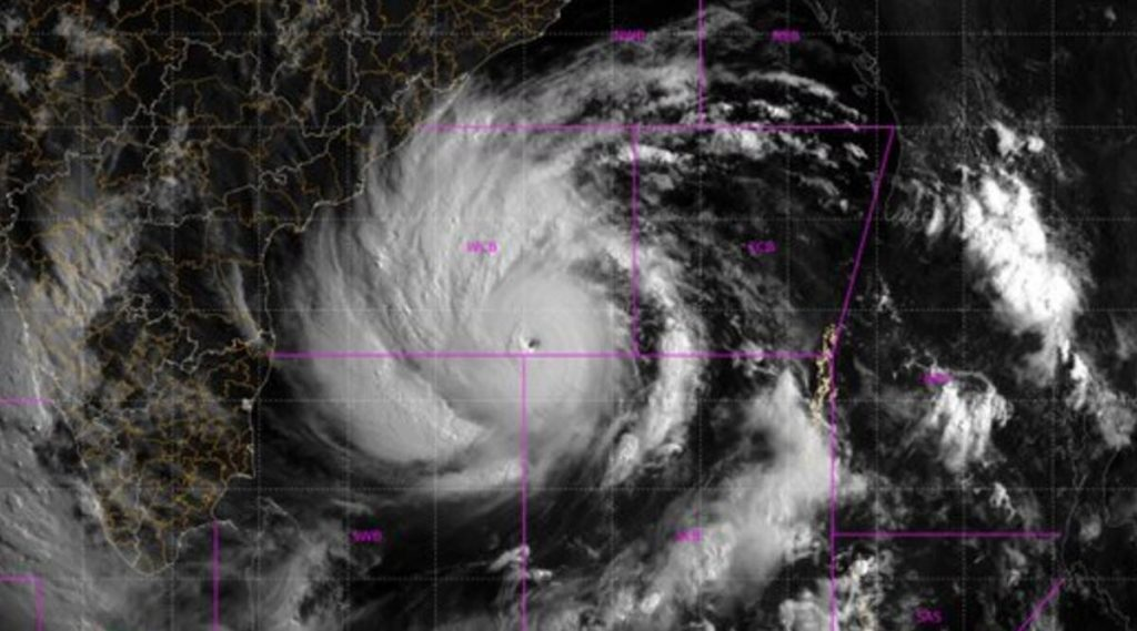 Cyclone Amphan चा हाहाकार! पश्चिम बंगाल मध्ये 86 जणांचा चक्रीवादळामुळे मृत्यू: ममता बॅनर्जी
