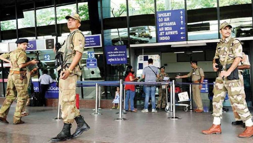 मुंबई पोलिसांच्या मदतीला आजपासून  CISF आणि CRPF च्या 5 तुकड्या तैनात
