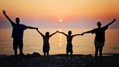 World Mental Health Day 2020: कोविड 19 या जागतिक आरोग्य संकटाचा सामना करत असताना स्वतः सह कुटुंबाच्या मानसिक आरोग्याची काळजी घेण्यासाठी खास टीप्स!