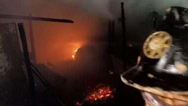 Thane Fire: ठाण्यातील साकेत झोपडपट्टी भागात  भीषण आग, अग्निशमन दलाचे अधिकारी घटनास्थळी दाखल; कोणतीही जीवितहानी नाही