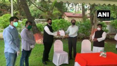 Cyclone Nisarga: मुख्यमंत्री उद्धव ठाकरे यांची विरोधी पक्षनेते देवेंद्र फडणवीस यांनी घेतली भेट, निसर्ग चक्रीवादळ आपत्तीतील नुकसान भरपाईबाबत चर्चा