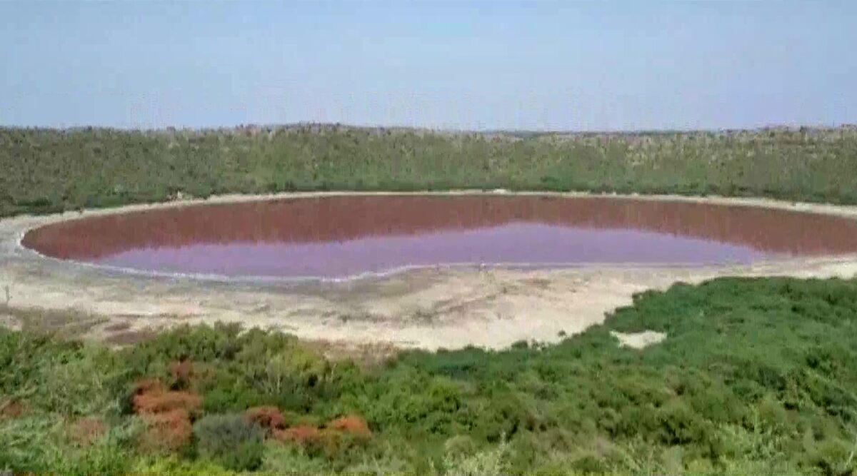 लोणार सरोवर आता रामसर पाणथळ क्षेत्र; पर्यावरण व पर्यटन मंत्री आदित्य ठाकरे यांची घोषणा