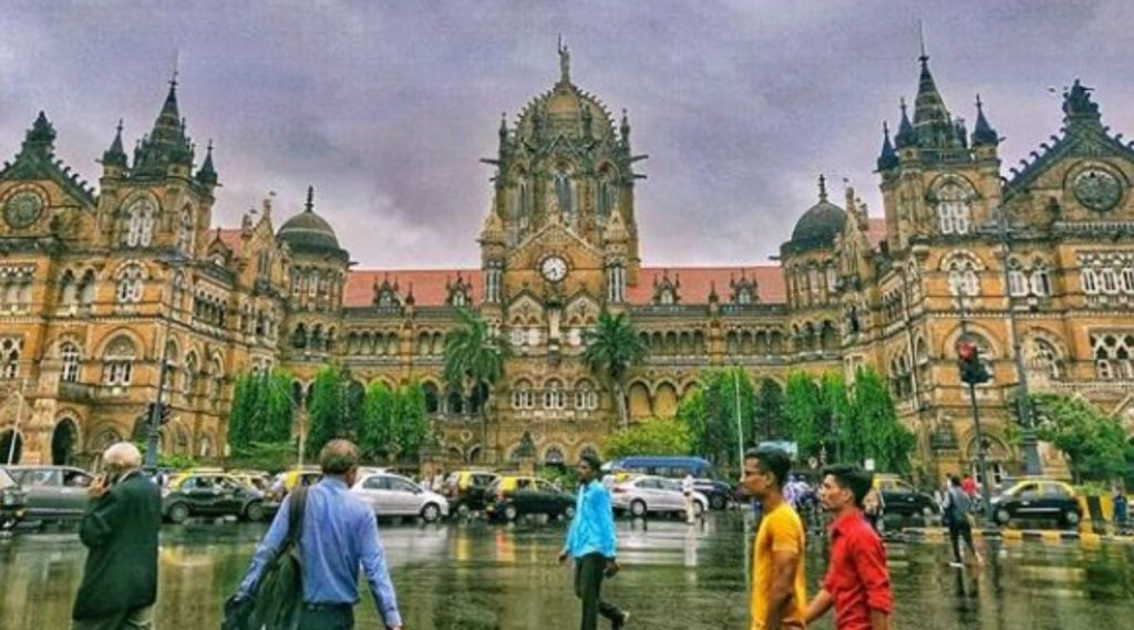 Mumbai's CST Makeover: छत्रपती शिवाजी महाराज टर्मिनस च्या 1930 च्या आयकॉनिक रूपाला धक्का न लावता रूपडं पलटणार; भारतीय रेल्वेची 1600 कोटींची तरतूद