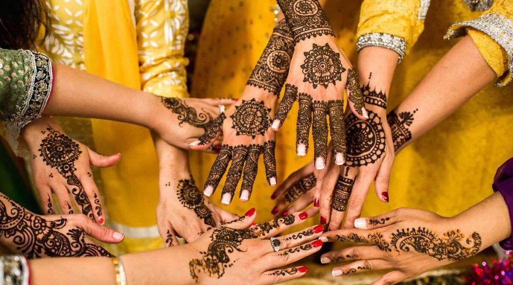 Vat Purnima 2020 Mehndi Designs: वटपौर्णिमा सणा निमित्त 'या' झटपट मेहंदी डिझाईन्स काढून वाढवा आपल्या हाताचे सौंदर्य! (Watch Video)