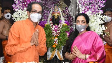 Ashadhi Ekadashi 2020 Mahapuja: विठूराया आम्हाला चमत्कार दाखव, तोंडाला पट्टी बांधून जीवन कसं जगायचं?, मुख्यमंत्री उद्धव बाळासाहेब ठाकरे यांचे विठ्ठलाला साकडे
