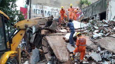 Mumbai Building Collapse: दक्षिण मुंबई मधील नागपाडा परिसरातील 3 मजली इमारतीचा काही भाग कोसळला, 4 जण अडकल्याची शक्यता; बचावकार्य सुरु
