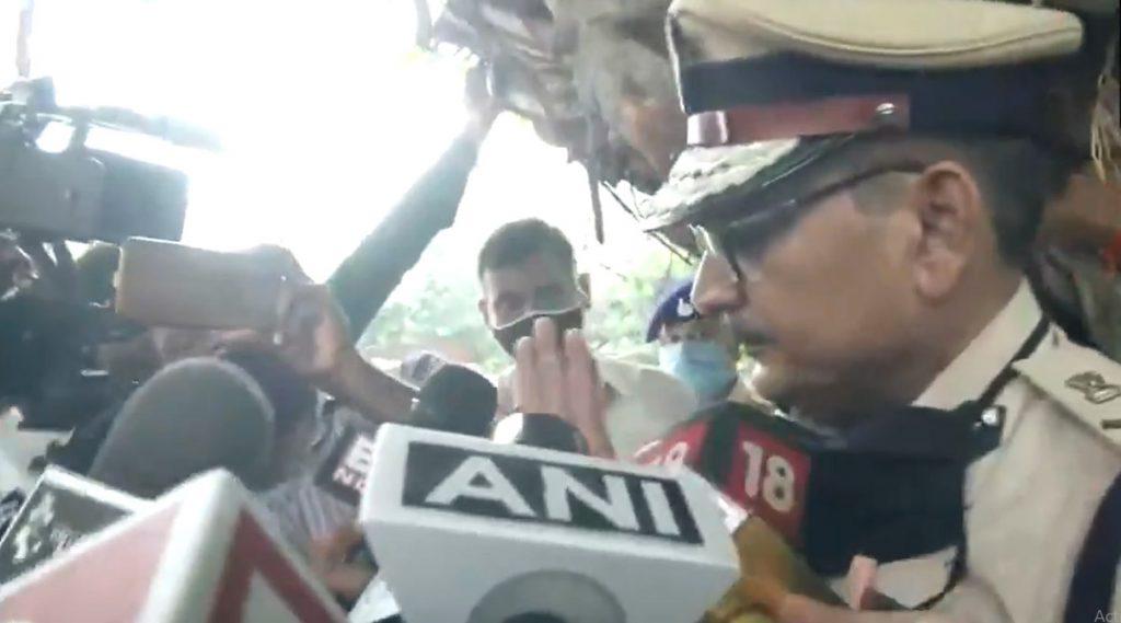 Sushant Singh Rajput Case: 'बिहारच्या मुख्यमंत्र्यांवर भाष्य करण्याची रिया चक्रवर्ती ची लायकी नाही'- Bihar DGP गुप्तेश्वर पांडे  यांची प्रतिक्रिया