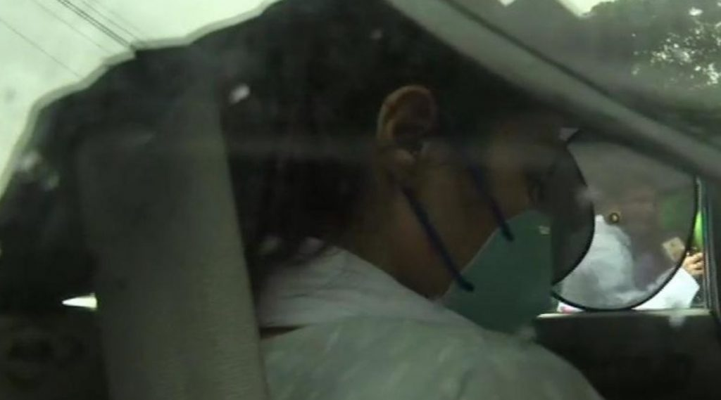 Sushant Singh Rajput Case: अभिनेत्री Rhea Chakraborty, तिचा भाऊ Showik Chakraborty यांचा जामीनासाठी Bombay High Court मध्ये अर्ज