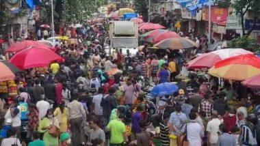 Ganeshotsav 2021: गणेशोत्सवाच्या खरेदीसाठी मुंबईच्या दादर मार्केटमध्ये लोकांची मोठी गर्दी